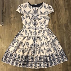 B Darlin size 2 white and blue print dress